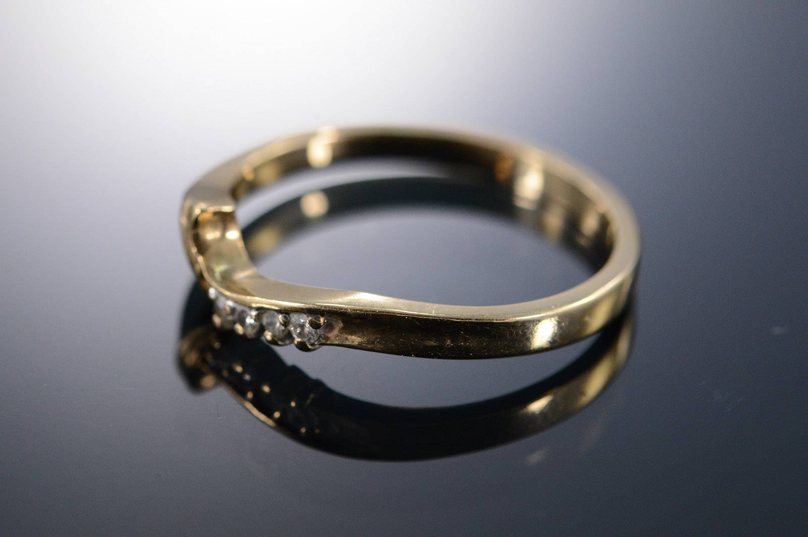 Featured Photo of Wrap Around Wedding Bands