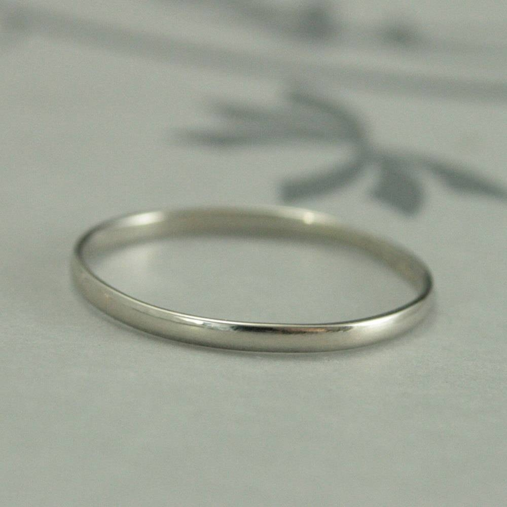 10K White Gold Wedding Band1.5Mm Skinny Minnie Plain Jane Regarding  (View 5 of 15)