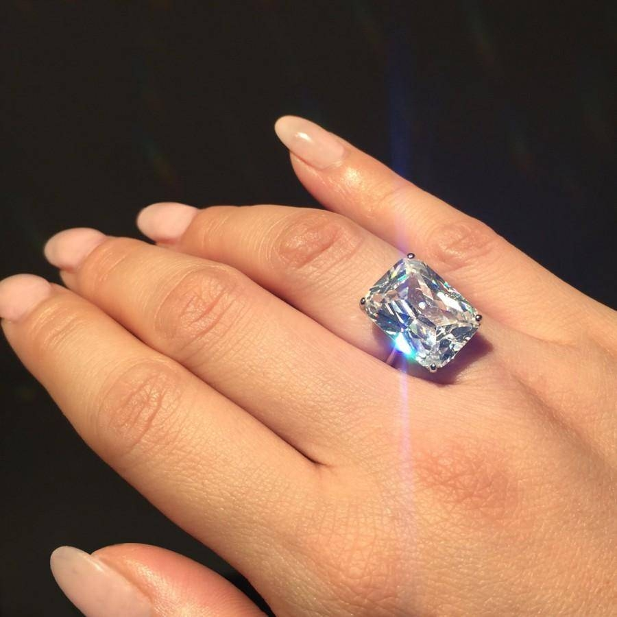 Shop J.Lo-Inspired Emerald Cut Diamond Rings and Jewelry ...
