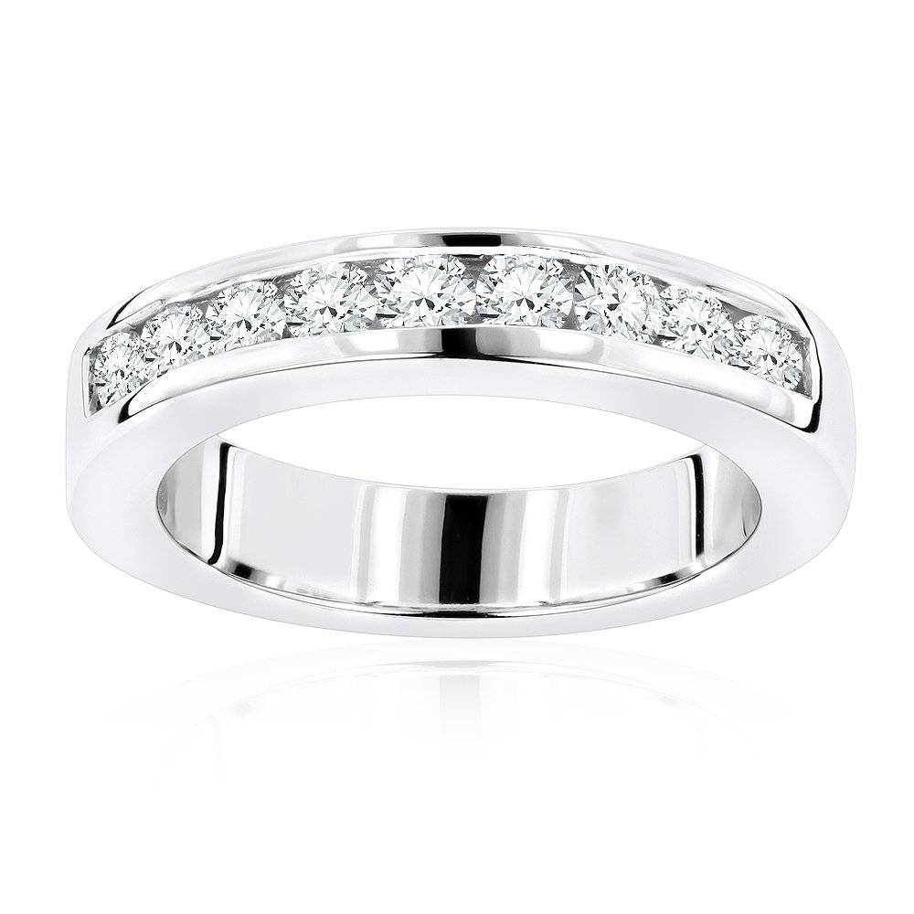 18K Gold Round Diamond Wedding Band For Her G/vs Diamonds  (View 1 of 15)