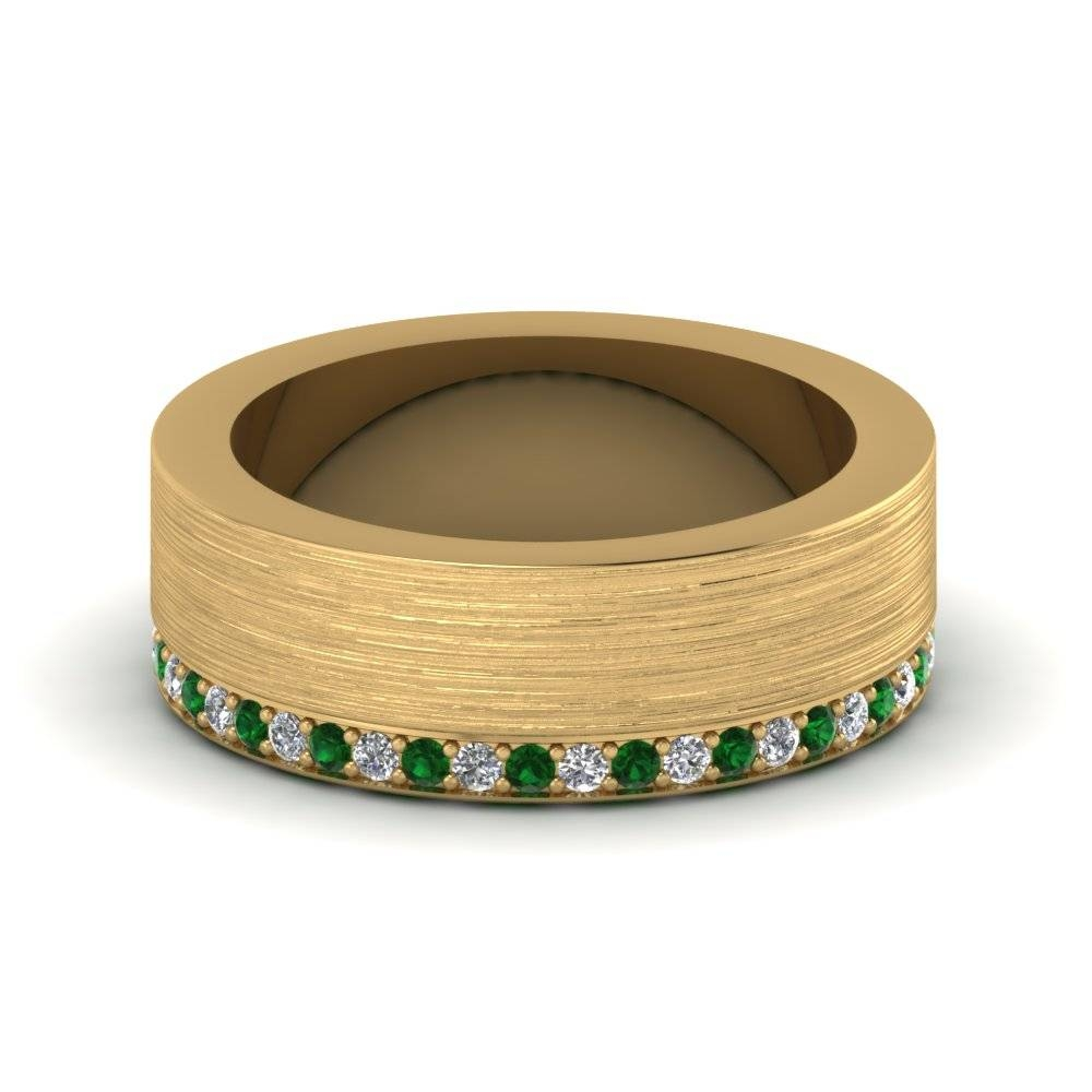 18K Yellow Gold Round Cut Green Emerald Men's Wedding Band Pertaining To Men's Wedding Bands Emerald (View 2 of 15)