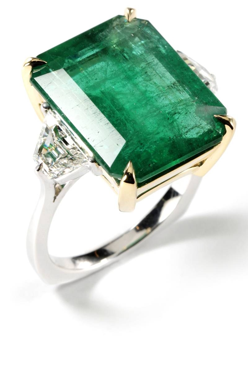 39 Unique Emerald Engagement Rings – Beautiful Green Emerald In Emerald Engagement Rings (Gallery 5 of 15)