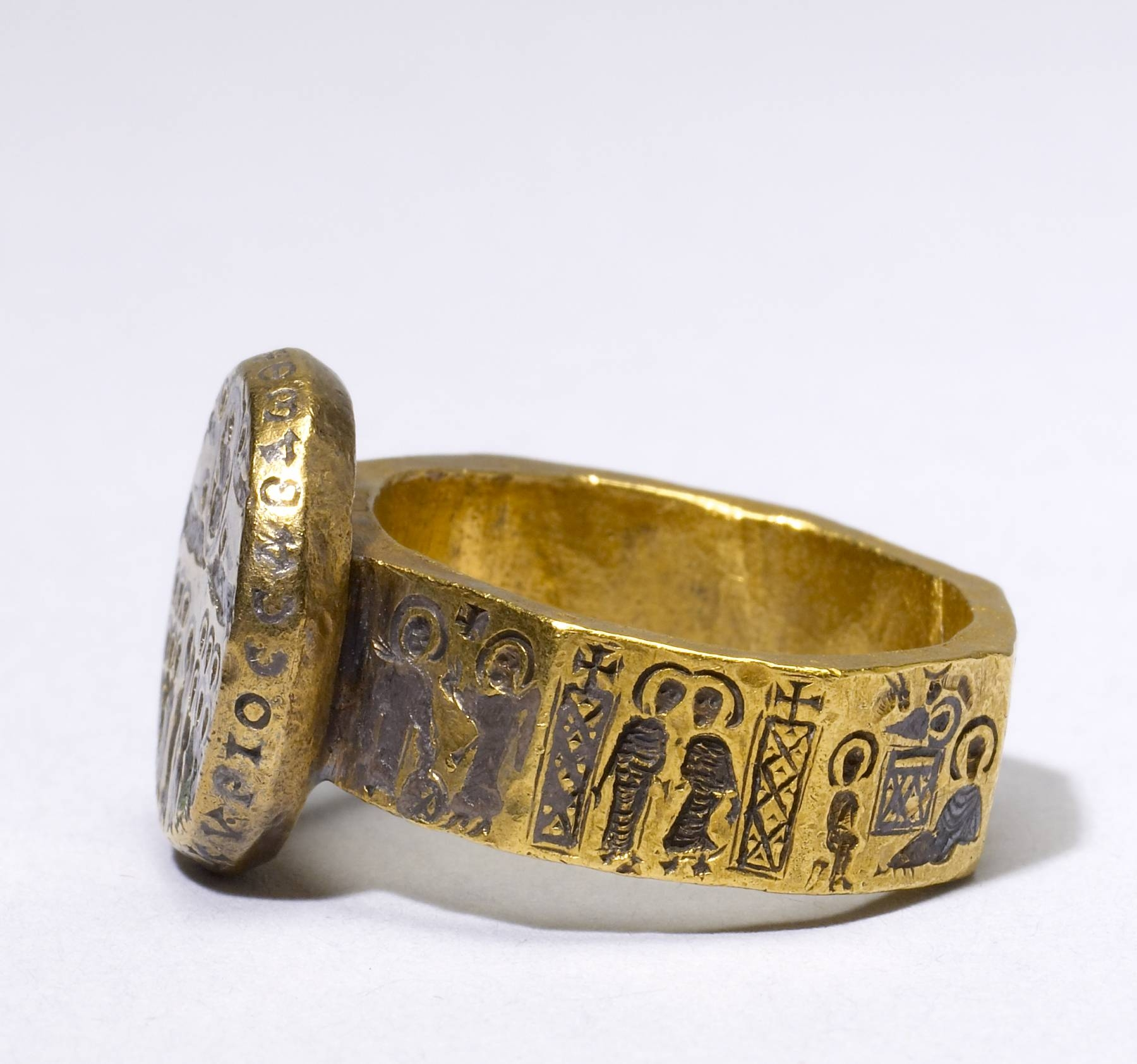 Featured Photo of Ancient Wedding Rings