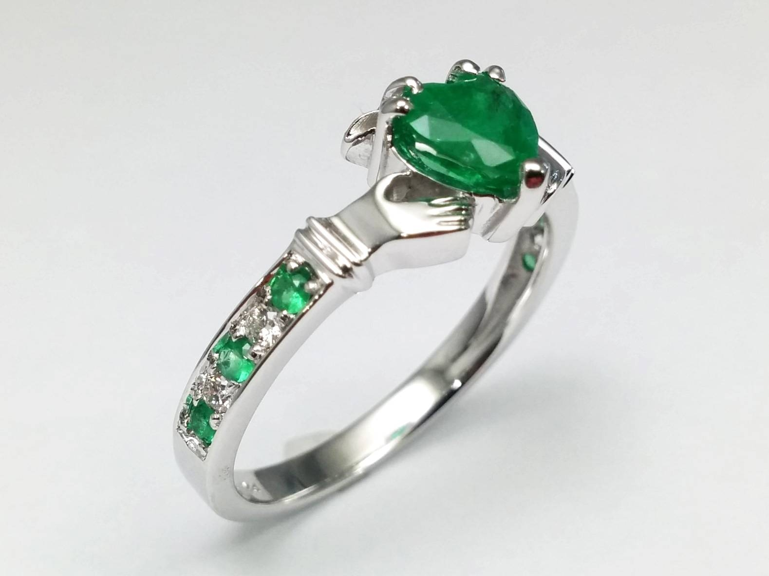 Claddagh – European Engagement Rings From Mdc Diamonds Nyc With Regard To Emerald Claddagh Engagement Rings (View 4 of 15)