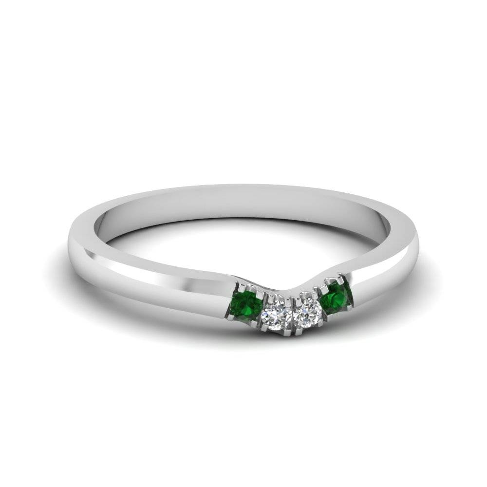 Classic 4 Diamond Curved Womens Wedding Band With Emerald In 14K With Regard To Curved Wedding Bands For Women (View 4 of 15)