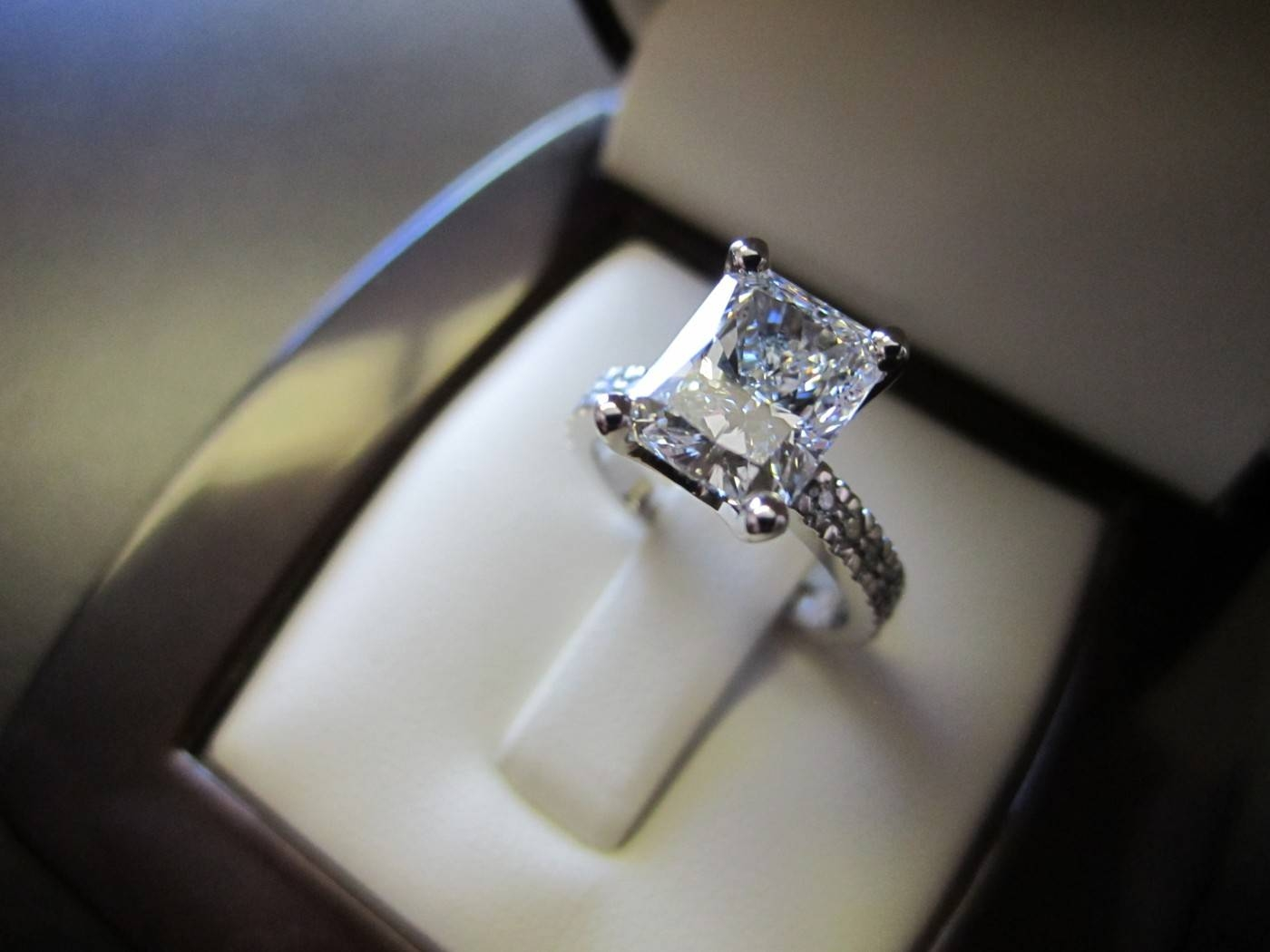 Engagement Rings : Amazing Radiant Cut Diamond Engagement Rings My Regarding Radiant Wedding Rings (View 3 of 15)