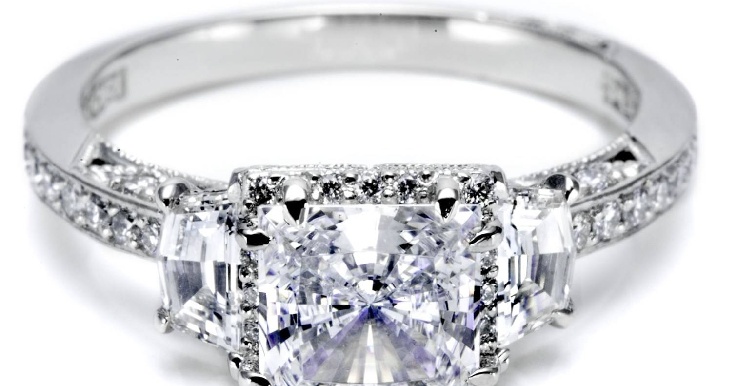 Engagement Rings : Stunning Halo Engagement Rings Cheap This Intended For Engagement Rings Under 700 (Gallery 11 of 15)