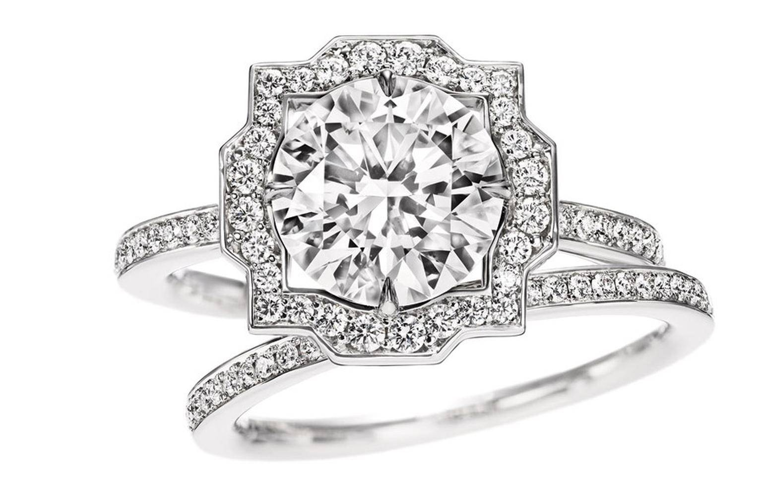 Featured Photo of Harry Winston Belle Engagement Rings