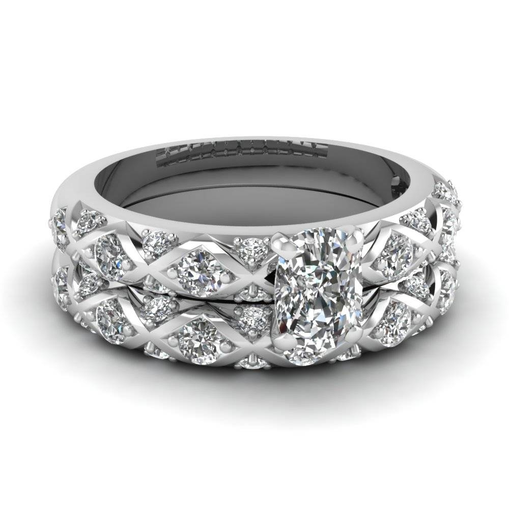 Platinum Round Cut | Fascinating Diamonds For 18 Karat Wedding Rings (View 11 of 15)