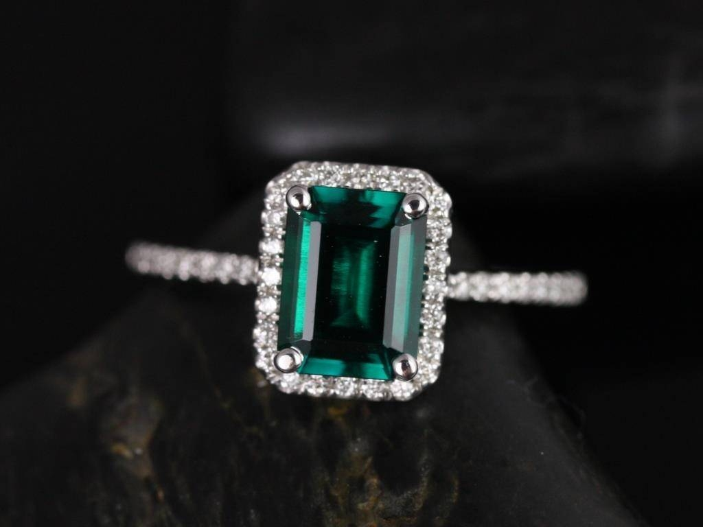 Rosados Box Esmeralda 8X6Mm White Gold Rectangle Emerald And With Emerald Engagement Rings For Women (Gallery 6 of 15)