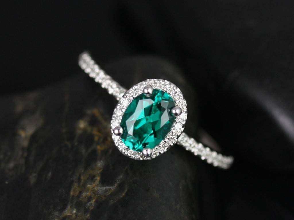 Rosados Box Ultra Petite Federella 7X5Mm White Gold Oval Emerald Within Oval Emerald Engagement Rings (Gallery 1 of 15)