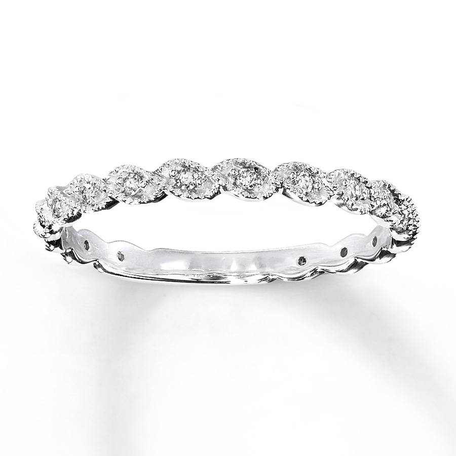 Featured Photo of Dainty Wedding Bands