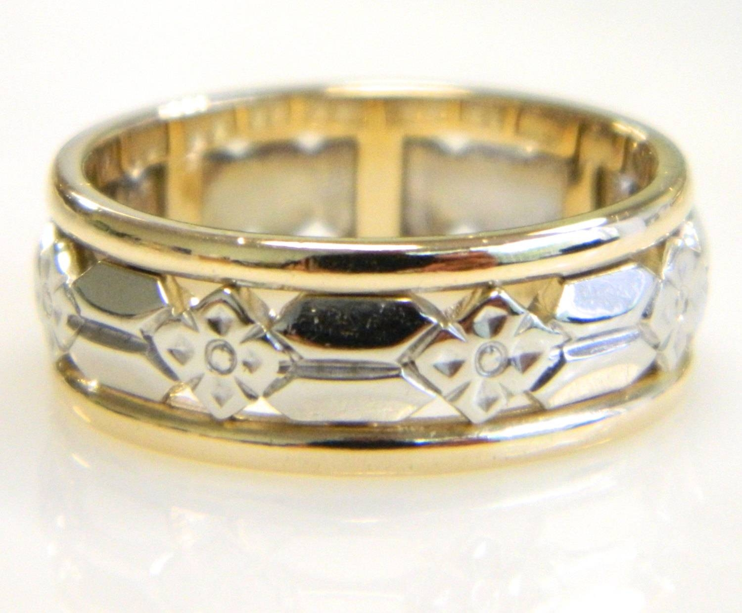 Vintage 14K Artcarved Two Tone Gold Wedding Band With Art Carved Wedding Bands (View 14 of 15)