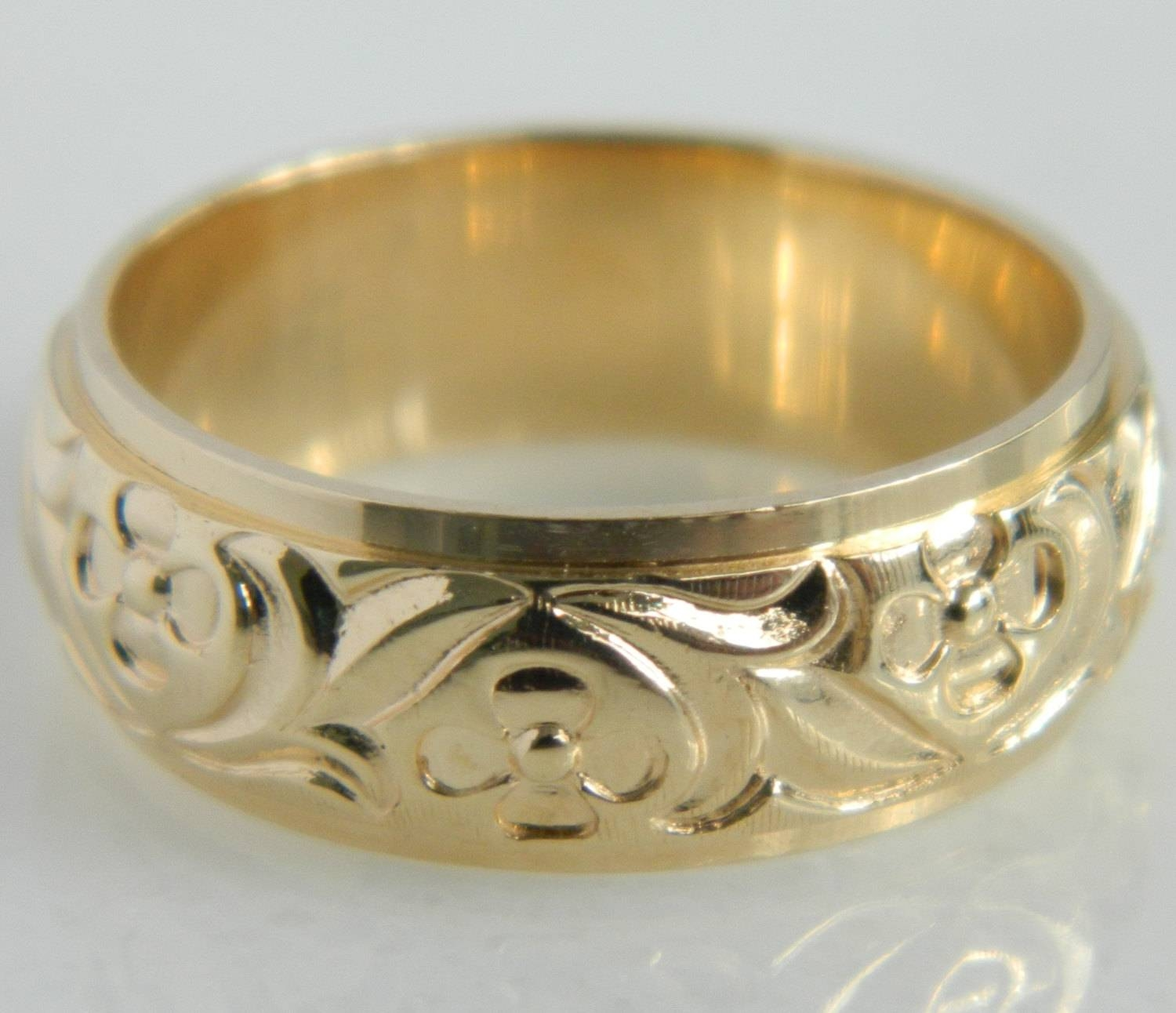 Vintage 14K Gold Floral Art Carved Wedding Band Pertaining To Carved Wedding Rings (View 12 of 15)