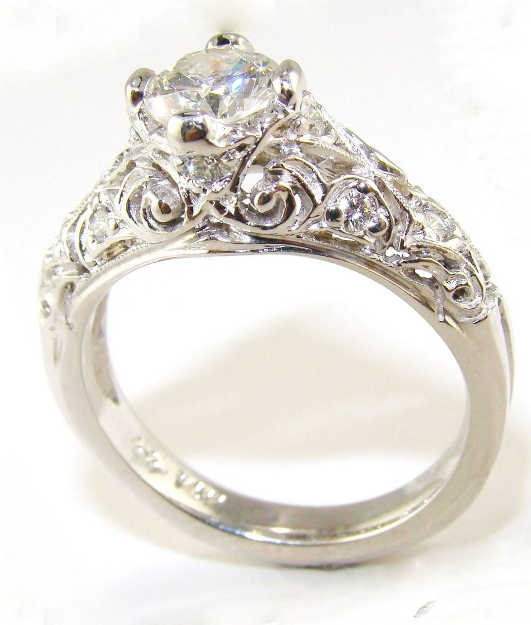 Vintage Diamond Engagement Rings For Women Throughout Womans Engagement Rings (View 9 of 15)