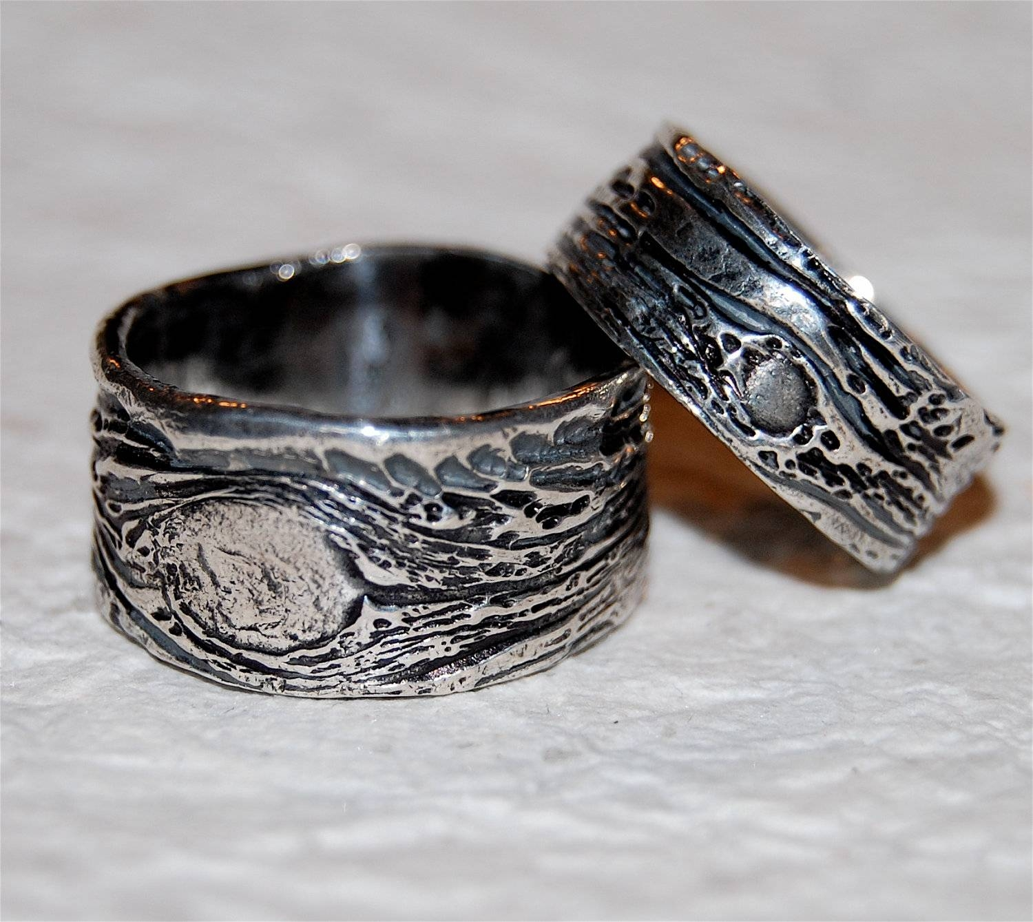Wedding Rings Ideas: His And Her Carved Camo Wedding Rings Pertaining To His And Hers Camo Wedding Bands (View 15 of 15)