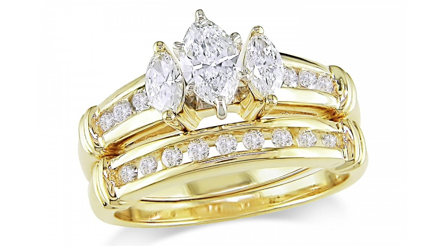 Why Gold Engagement Rings Still Rock Black Diamond Ring In 24k Wedding
