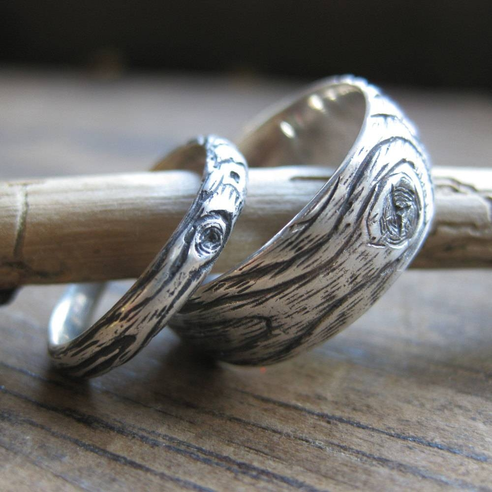 Featured Photo of Wood Grain Wedding Bands
