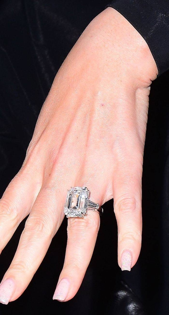 Photo Gallery of Kate Middleton Engagement Rings And Wedding Bands ...