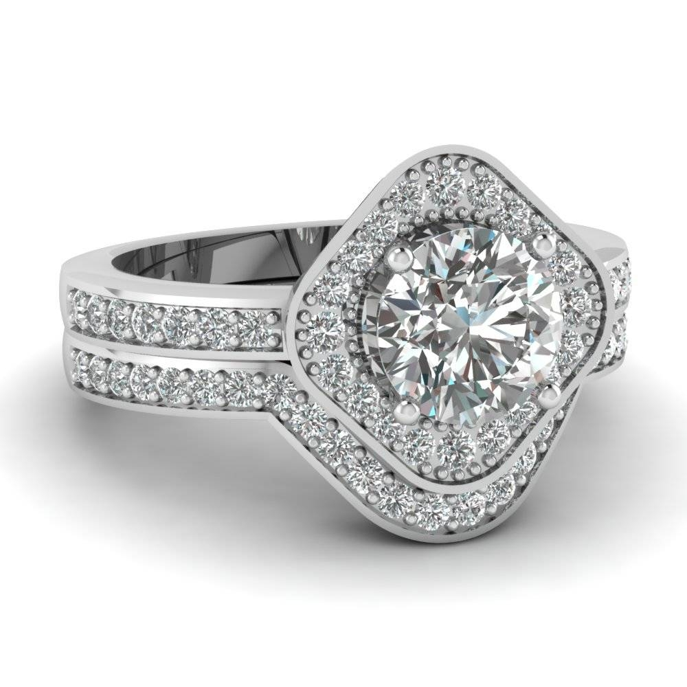 Find Affordable Platinum Wedding Rings For Women|Fascinating Diamonds For Womens Platinum Wedding Rings (View 8 of 15)