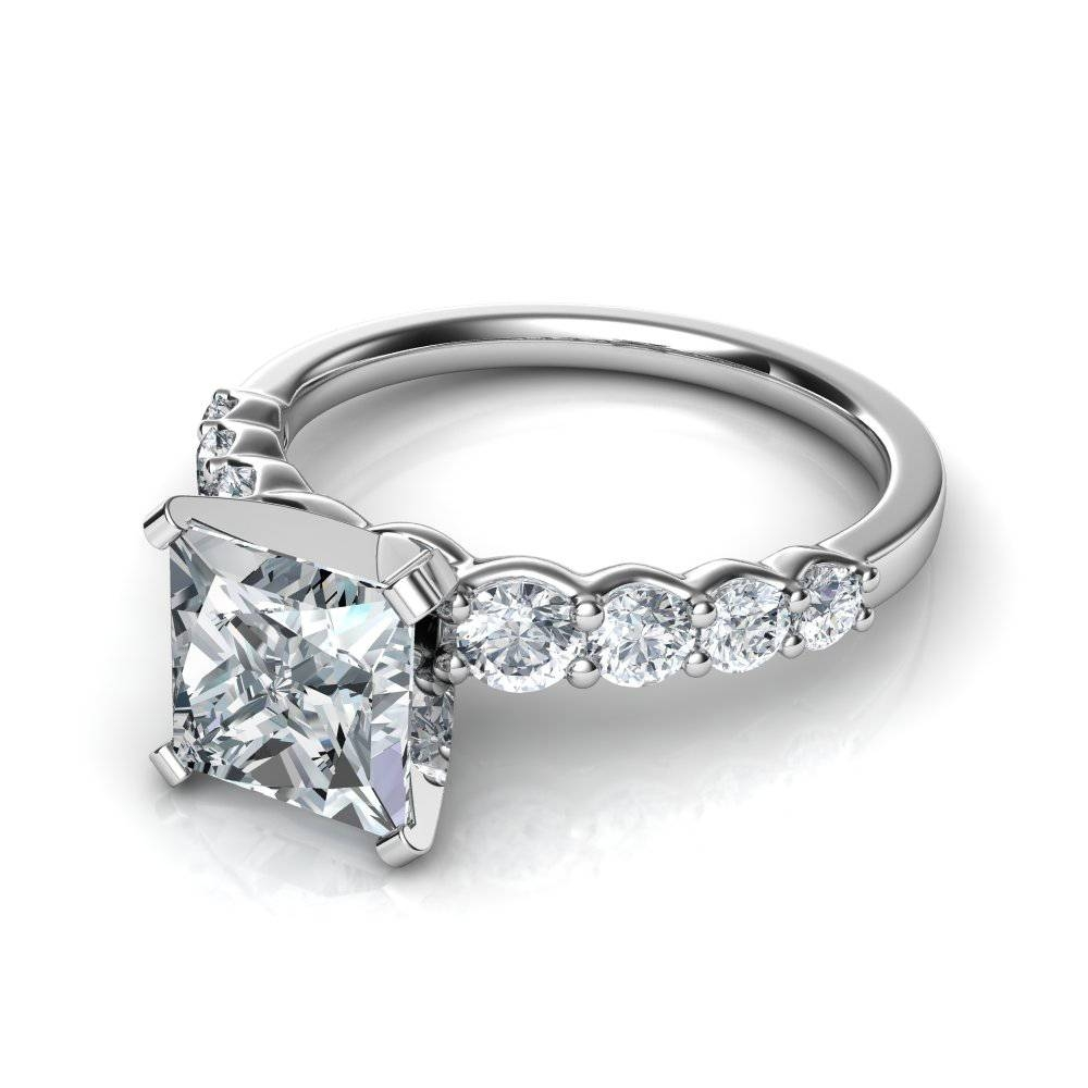 Graduated Side Stone Princess Cut Diamond Engagement Ring Throughout Princess Cut Diamond Engagement Rings With Side Stones (View 5 of 15)