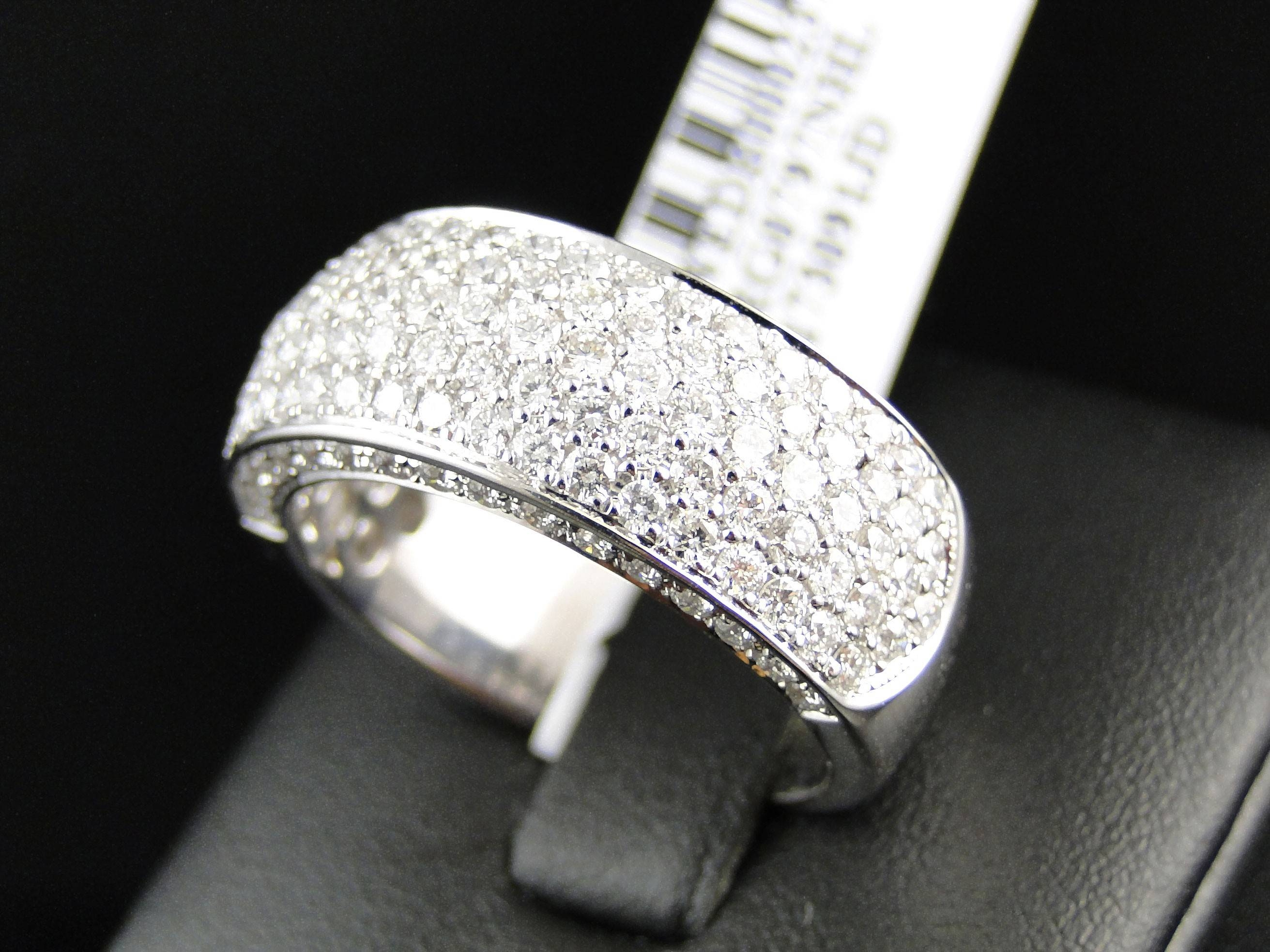 Mens Vs White Diamond Pave Engagement Wedding Band 9 Mm Ring 3.0 Ct With Regard To Most Recently Released Pave Diamond Wedding Bands (Gallery 15 of 15)