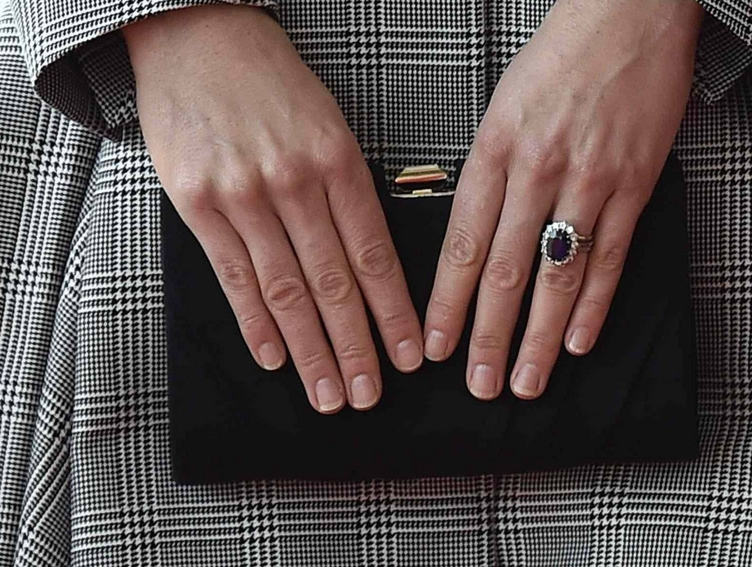 Featured Photo of Kate Middleton Engagement Rings And Wedding Bands