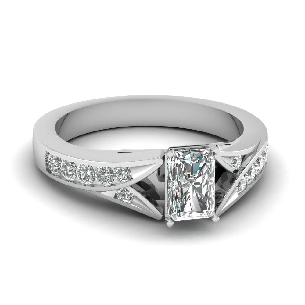 Shop Modern Engagement Rings Style – Fascinating Diamonds With Radiant Cut Engagement Ring Settings (View 12 of 15)