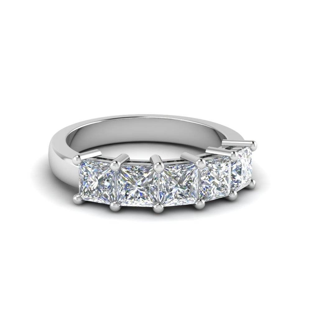 16 Styles Of Diamond Anniversary Rings | Fascinating Diamonds For Newest Five Stone Diamond Anniversary Rings (View 4 of 25)