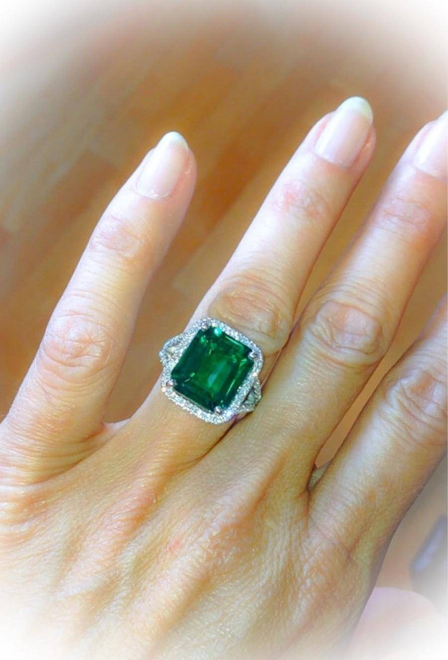 Emerald Engagement Ring Split Shank 18K White Gold 13X11Mm 9Ct With Newest Halo Anniversary Rings (View 8 of 25)