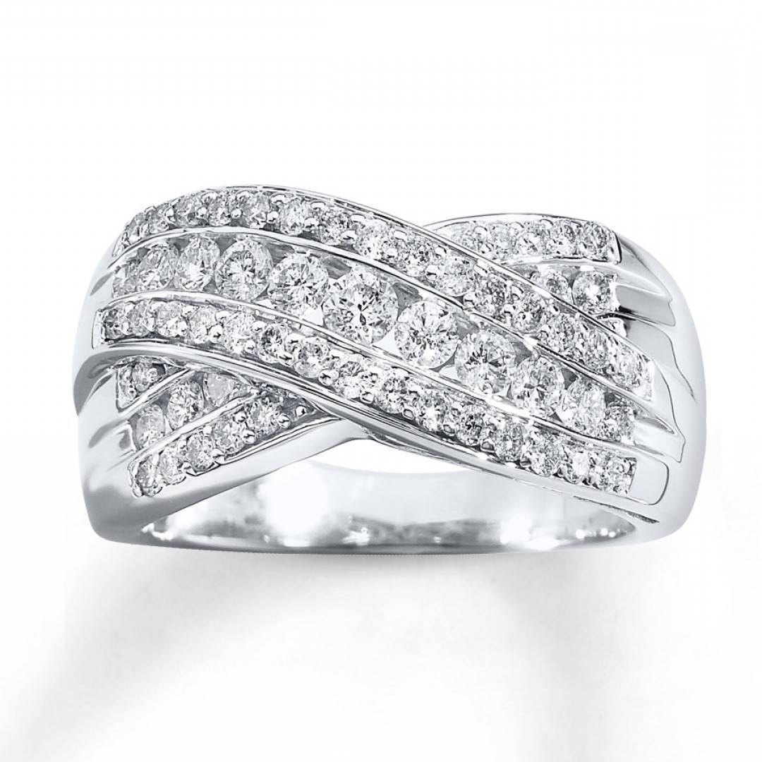 Four Things To Consider When Buying Diamond Anniversary Rings For Inside Current Anniversary Rings For Her (View 11 of 25)