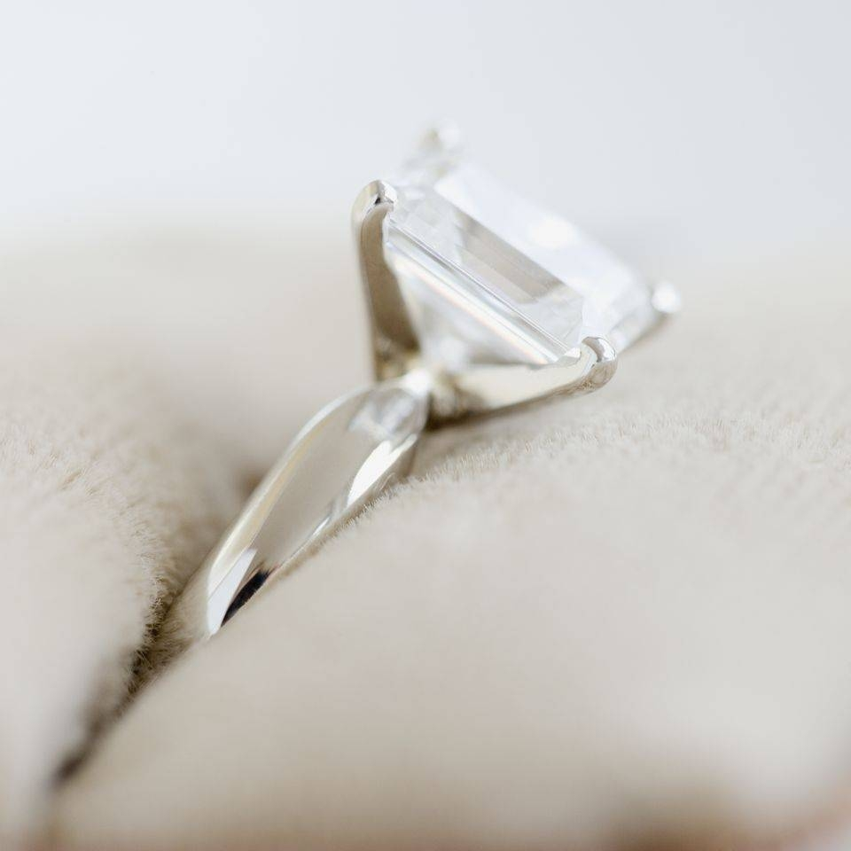 Gift Ideas For Your 10Th Wedding Anniversary Throughout Current Ten Year Wedding Anniversary Rings (View 13 of 25)