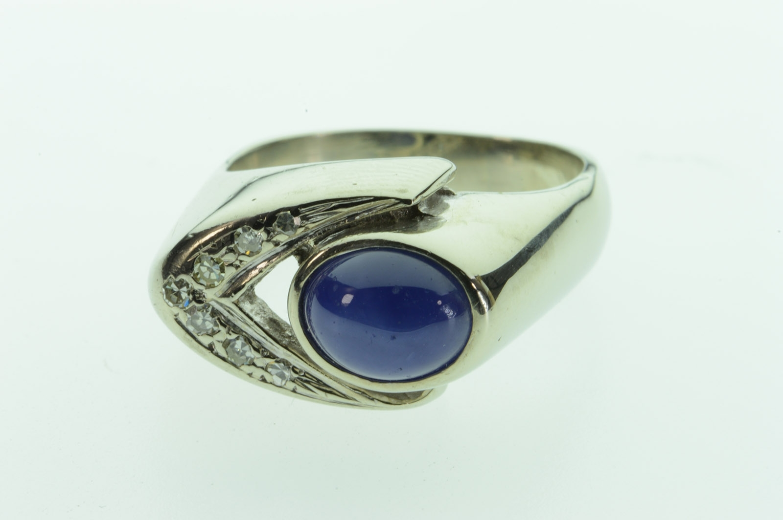 14K 6.6G Art Deco Cabochon Synthetic Star Sapphire & Diamond For Most Recent Chevron Sapphire Rings (Gallery 9 of 15)