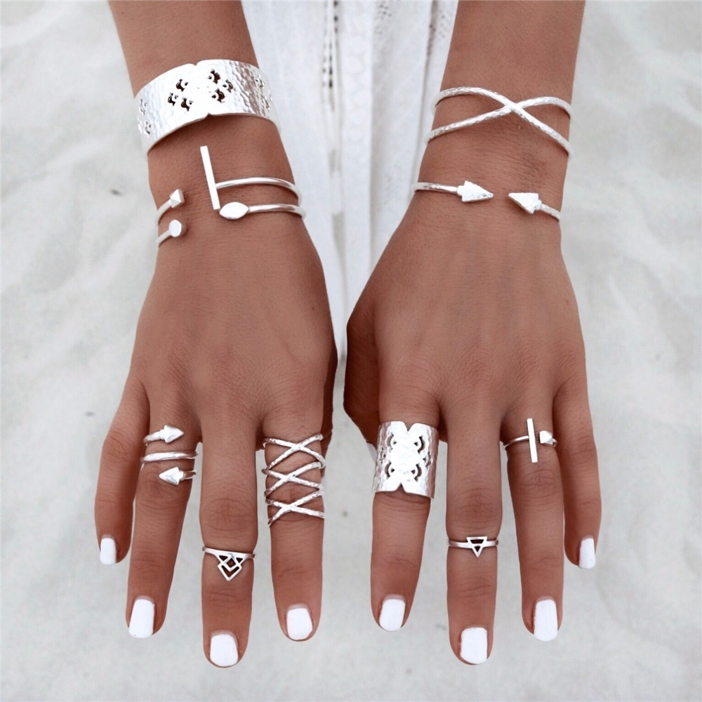 8Pcs Rings Set For Women 2017 Vintage Silver Crown Full Finger With Regard To Most Current Chevron Midi Rings Sets (View 4 of 15)