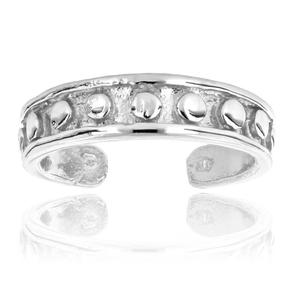 Featured Photo of Diamond Toe Rings