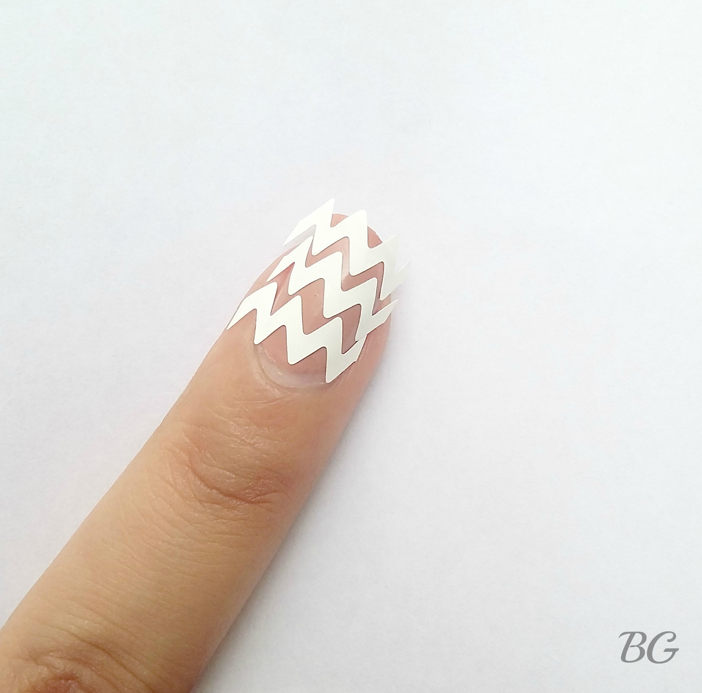 Diy Gold Chevron Nail Design Stepstep Nail Art Tutorial For Most Recently Released Diy Chevron Rings (View 10 of 15)