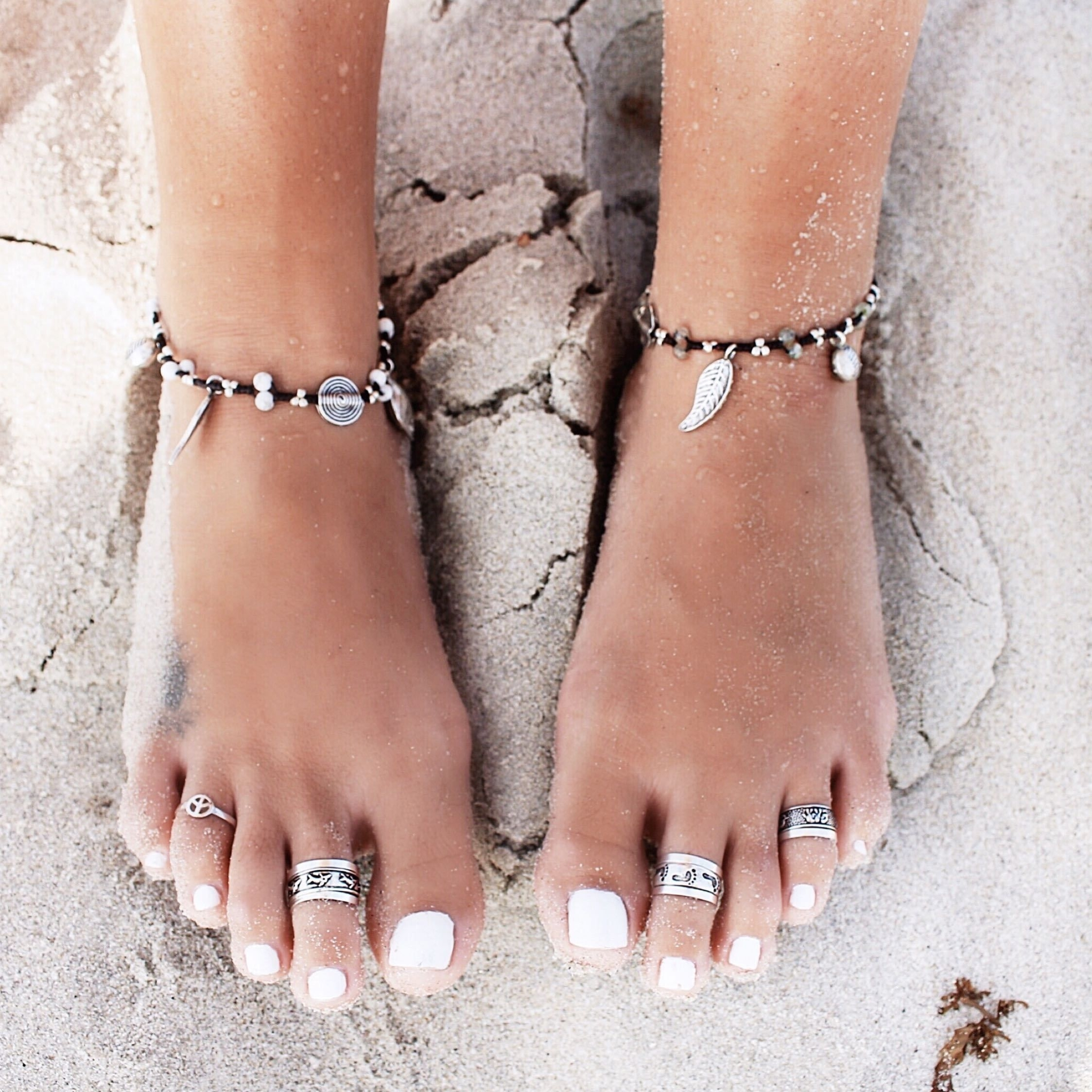 ≫∙∙Boho, Feathers + Gypsy Spirit∙∙≪ | Nails | Pinterest With Most Current White Gold Toe Rings (View 1 of 15)
