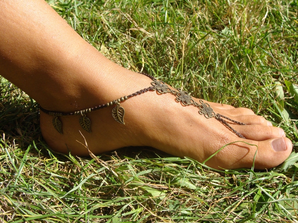 Earthy Macrame Barefoot Sandal Anklet Toe Ring Toenoisypixie With Regard To Best And Newest Etsy Toe Rings (View 5 of 15)