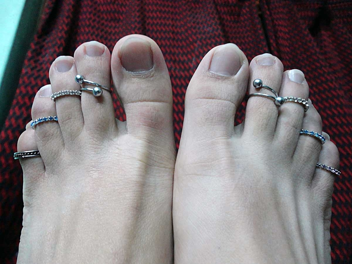 Featured Photo of Permanent Toe Rings