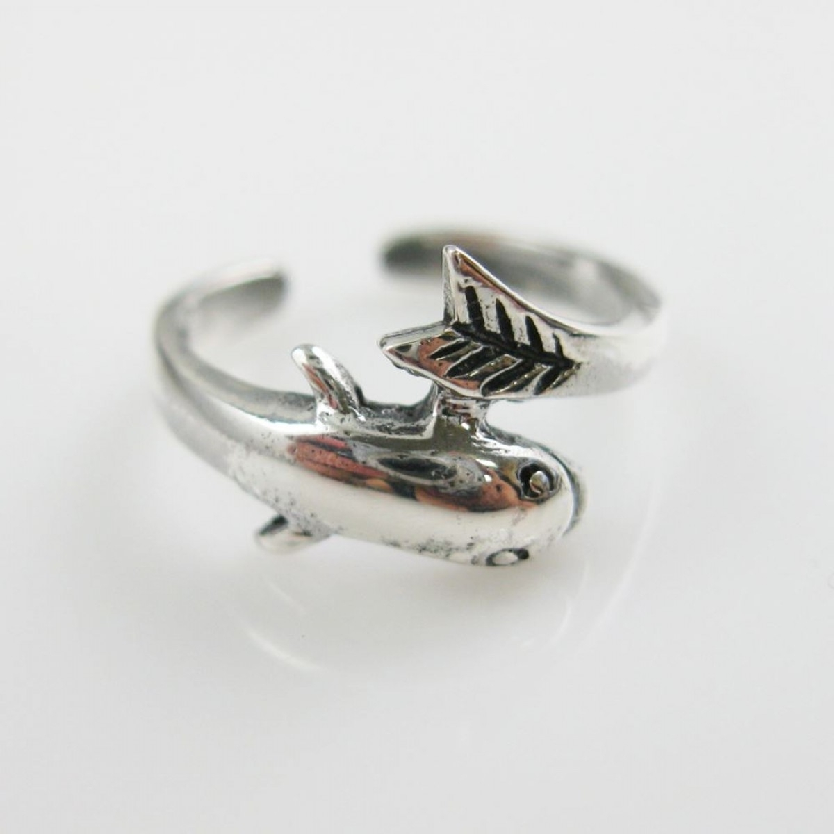 Fish Ring | Ecuatwitt Within Most Popular Non Adjustable Sterling Silver Toe Rings (View 8 of 15)