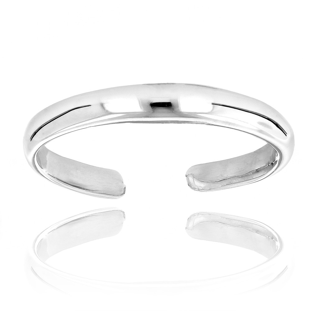 Featured Photo of White Gold Toe Rings