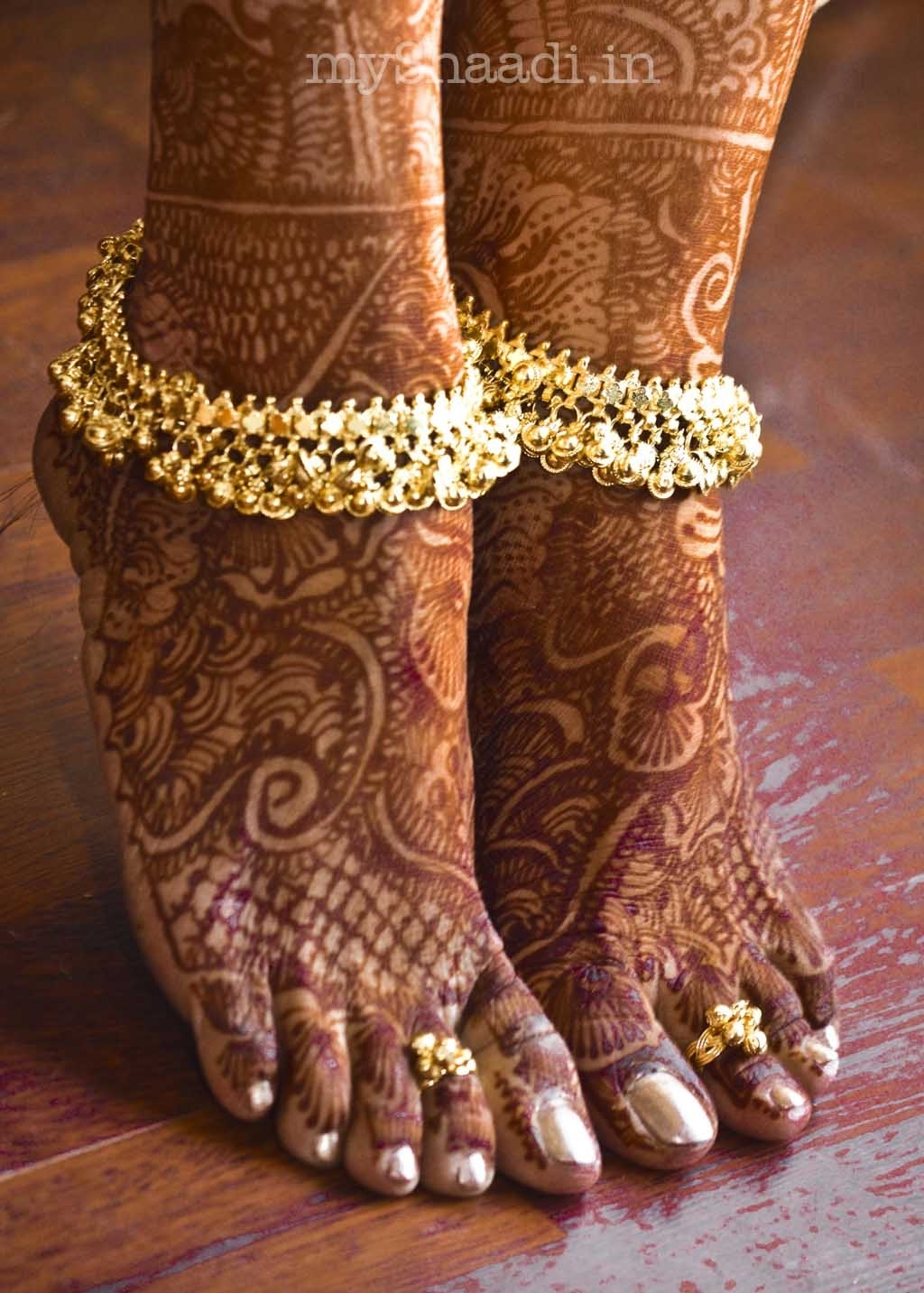 India | Wedding Feet Details | © Nostalgia Photography; Seema Pertaining To Best And Newest Indian Toe Rings (View 7 of 15)