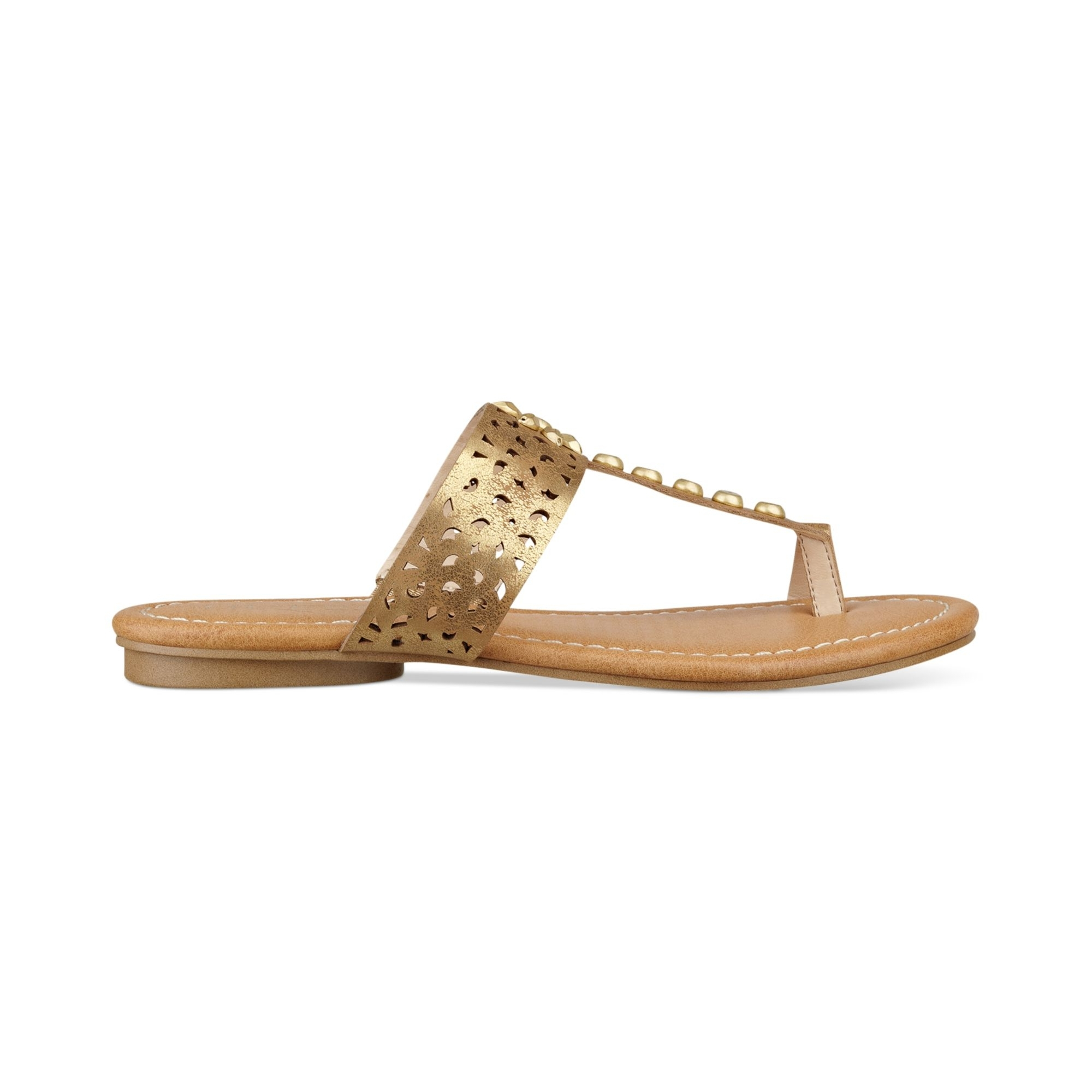 Lyst – Guess Gaiana Toe Ring Flat Sandals In Metallic In 2018 Macy's Toe Rings (View 11 of 15)