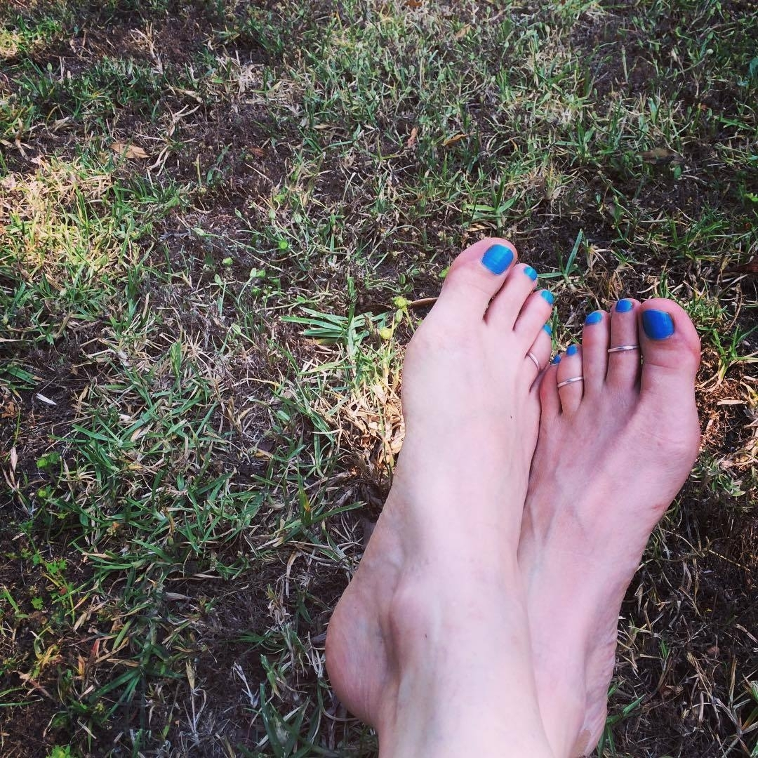Melissa Ponzio's Feet << Wikifeet Within Most Up To Date Toe Rings By Melissa (View 11 of 15)