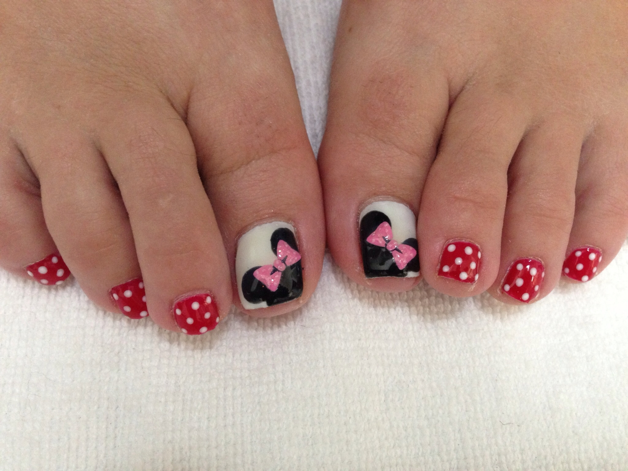 "Minnie Mouse Toe Nails | ""the Happiest Place On Earth"" 