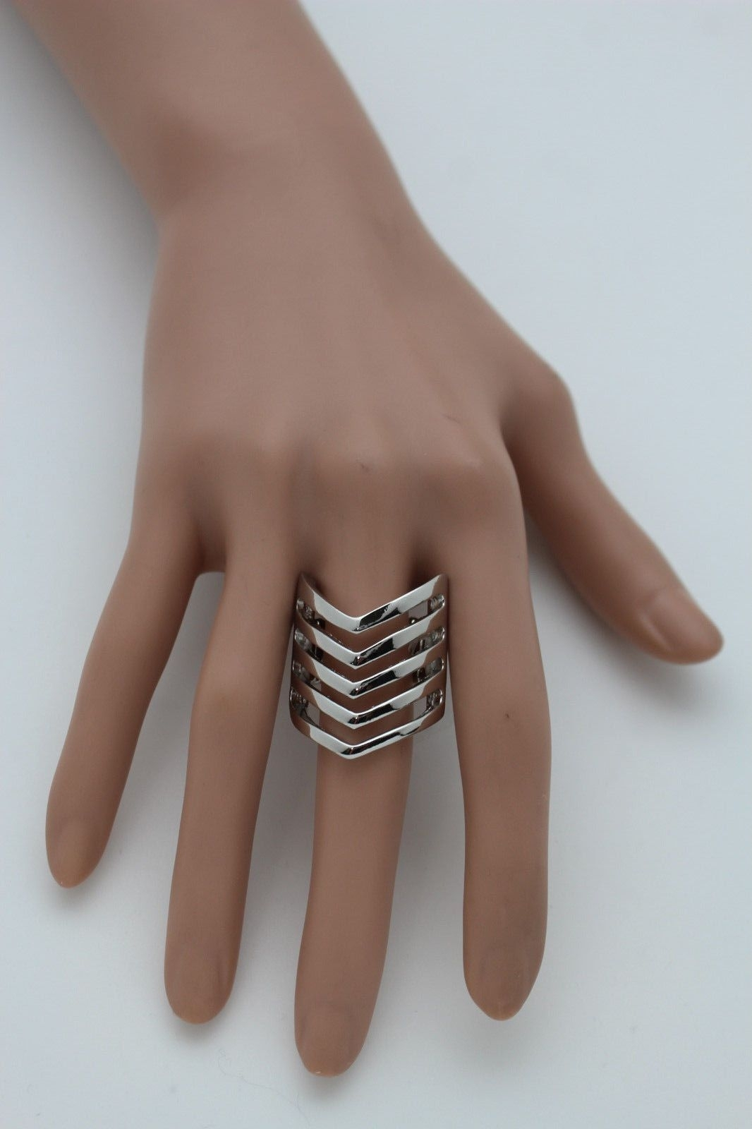New Women Ring Fashion Jewelry Silver Metal Chevron Stripes Finger With Regard To Newest Chevron Finger Rings (View 12 of 15)
