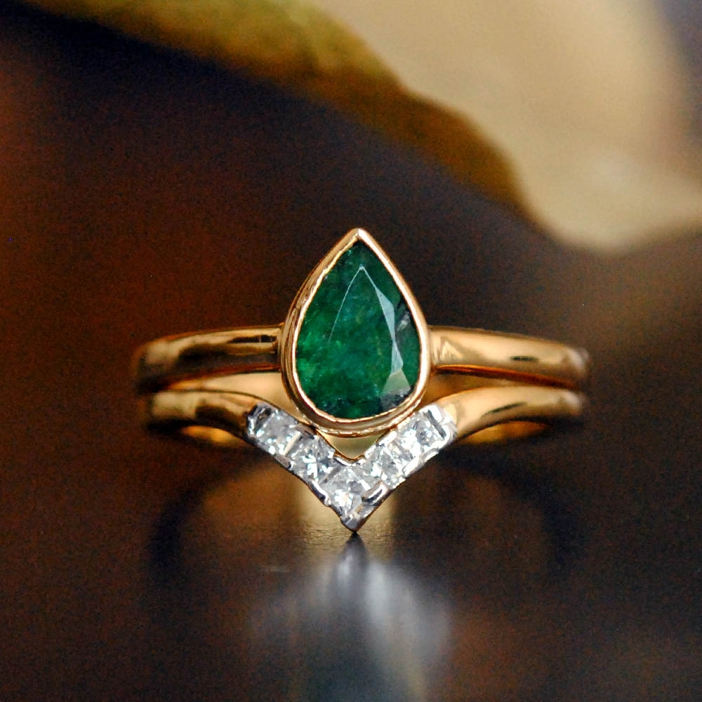 Featured Photo of Chevron Emerald Rings