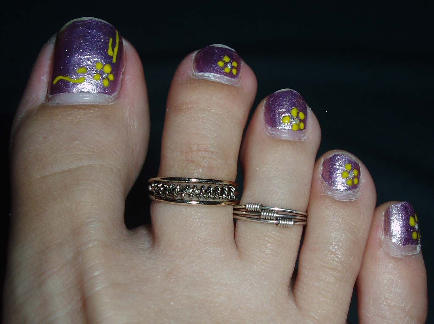 Purple Nail Polish And Toe Ring Style | Girls Fashion Magazine Inside Newest Cute Toe Rings (View 11 of 15)