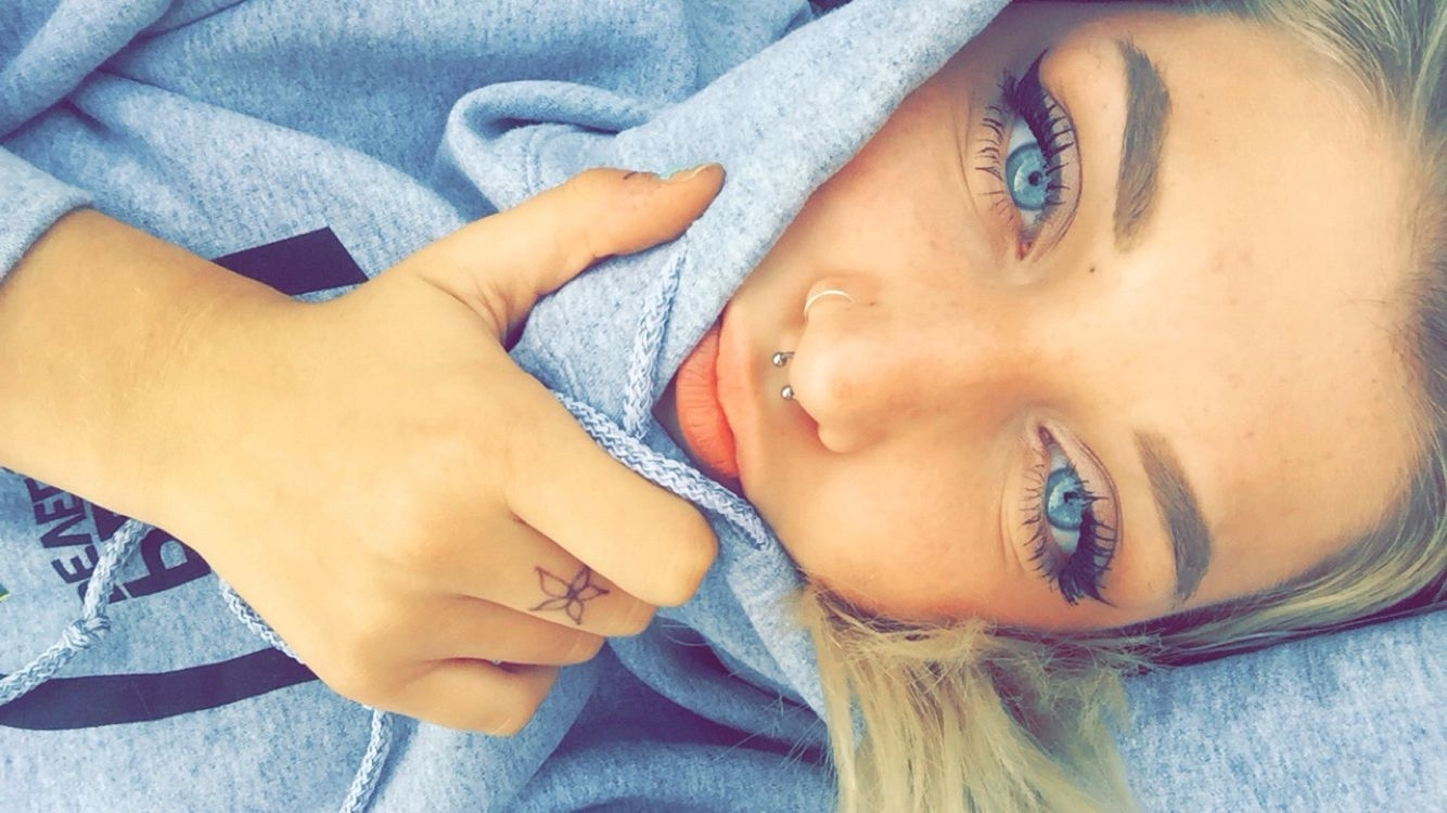 Small Septum Piercing And Nose Ring Hoop Instagram:sammi (View 8 of 15)