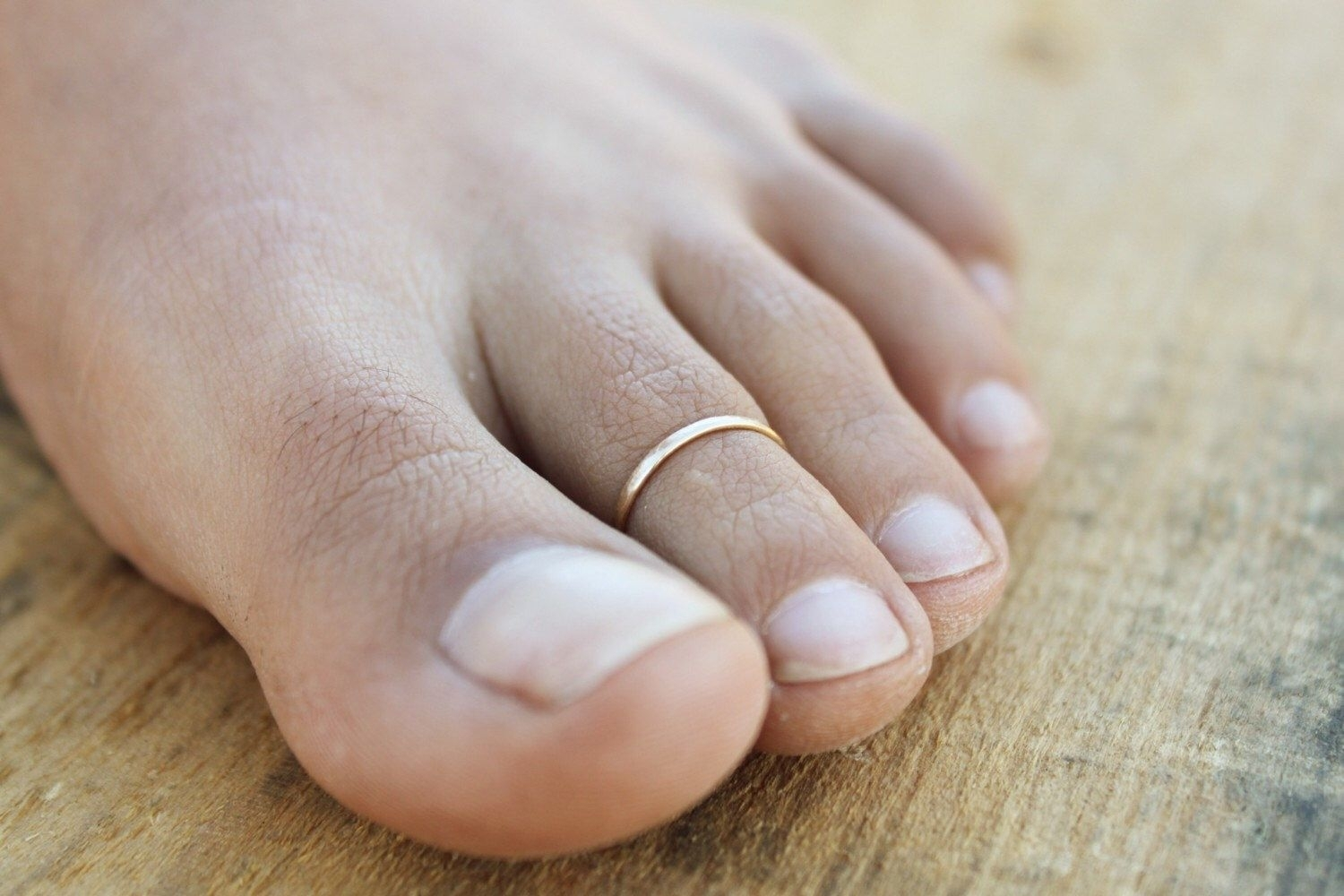 Thin Lightly Hammered Toe Ring – Available In Gold, Rose Gold, And Within Most Popular Rose Gold Toe Rings (Gallery 7 of 15)